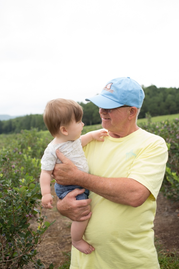 FamilyJuly2019_BerryPicking-19