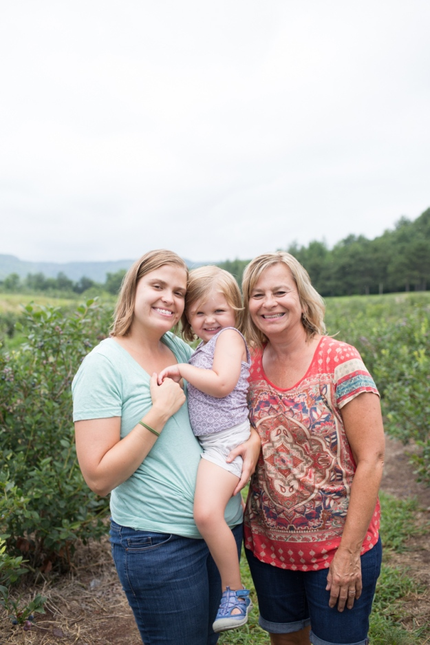 FamilyJuly2019_BerryPicking-38